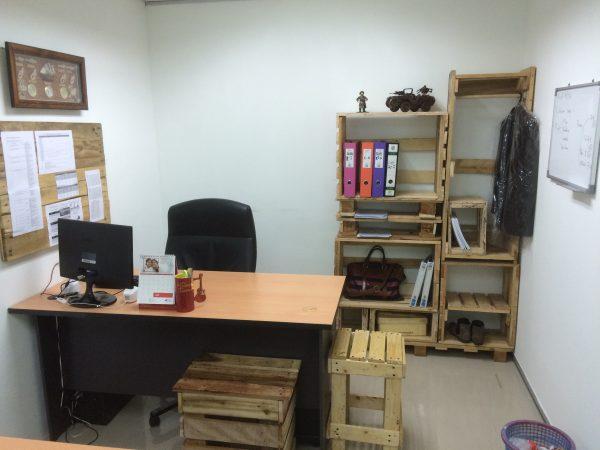 Inilah ruang kerja saya di ofis. Cool tak?