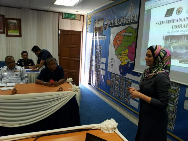 GM Zarina menyampaikan taklimat bagi pihak saya di IPD Kuala Selangor